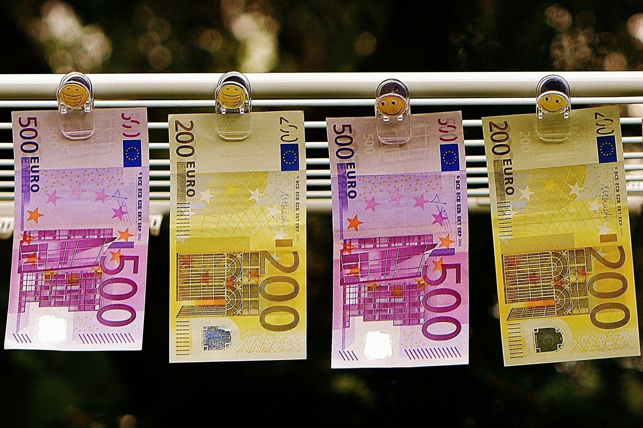 banko manipuliavimo prekybos strategija)